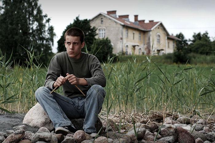 Domov šedých motýlů (2008)