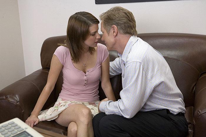 Смотреть секс видео инцент с дочерью 168