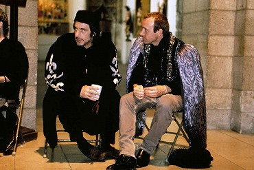a comparison of looking for richard by al pacino and richard iii by william shakespeare William shakespeare al pacino looking for richard is a it is both a performance of selected scenes of william shakespeare's richard iii and a broader.