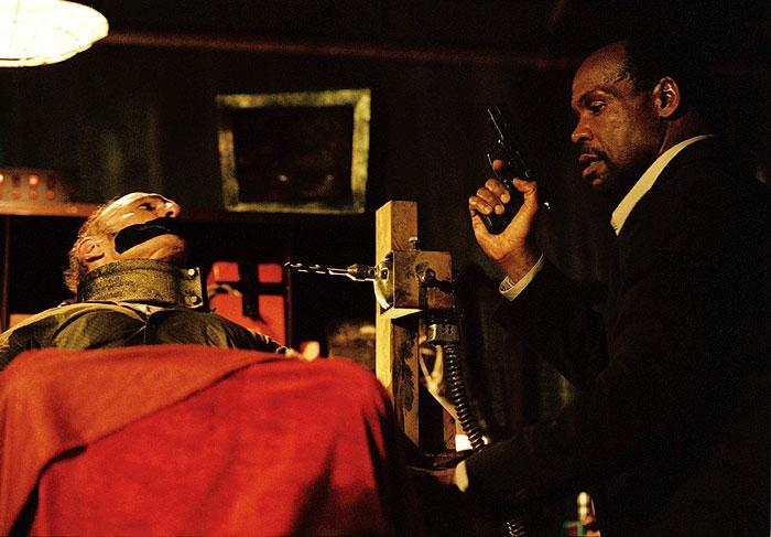 Saw: Hra o prežitie (2004)