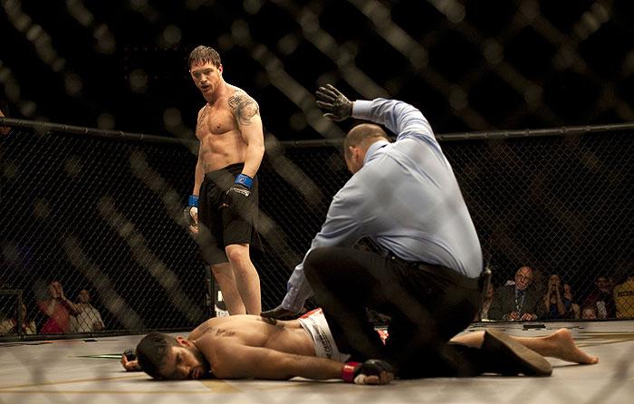 Bojovník: Brat proti bratovi (2011)
