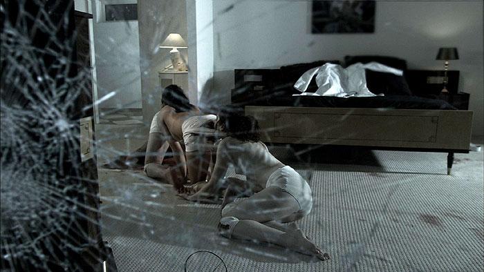 Ľudská stonožka (2009)
