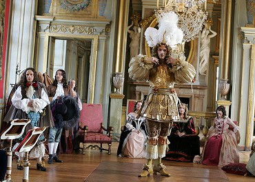 the rise and fall of versailles essay This drama is about the rise of louis xiv, the sun king, louis the great, who moved the executive from paris, the centre of the known world to versailles, a great bog with his father long dead, his mother recently dead, he was alone except for his brother and those he trusted.