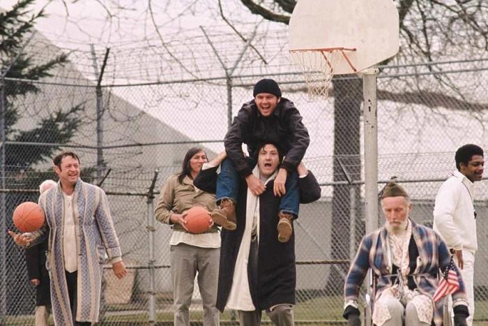 Prelet nad kukučím hniezdom (1975)