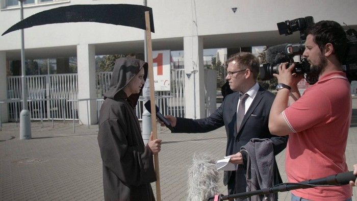Český žurnál - Výchova k válce