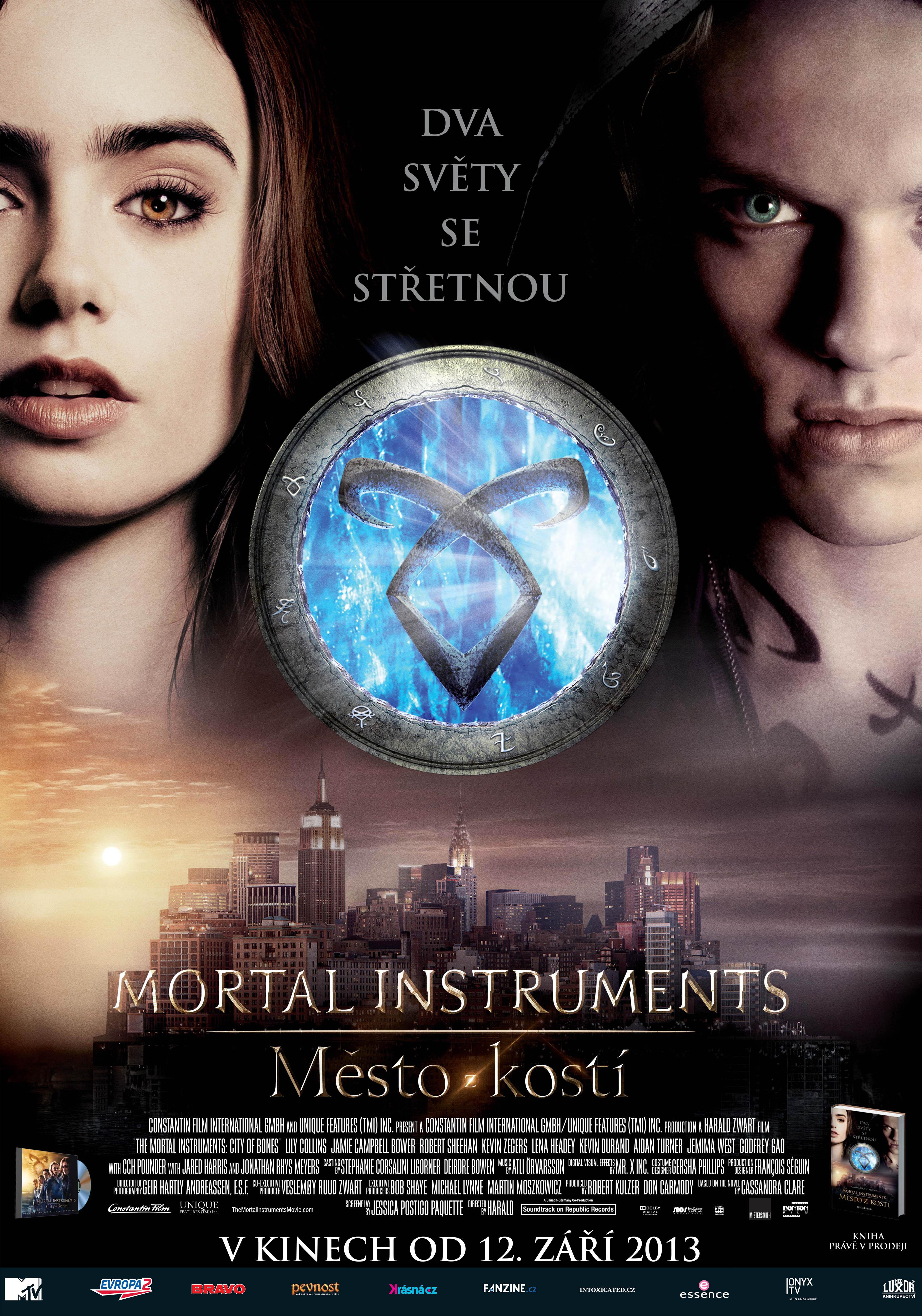 Spustit online film zdarma Mortal Instruments: Město z kostí