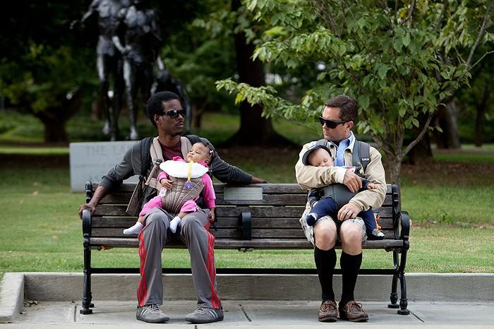 Ako porodiť a nezblázniť sa (2012)