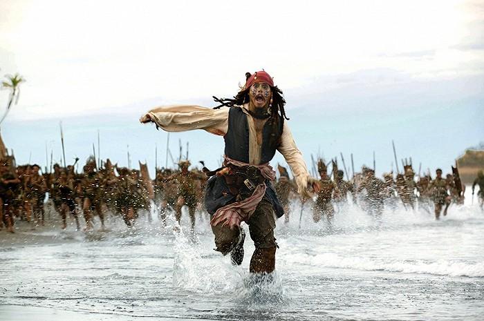 Piráti z Karibiku: Truhlica mŕtveho muža (2006)