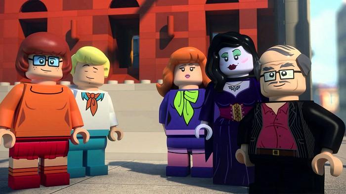 Lego Scooby: Strašidelný Hollywood (2016)