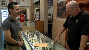 Davey deals banned from pawn stars
