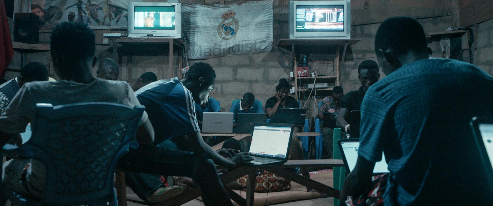 online podvody ghana datování 70. let paul