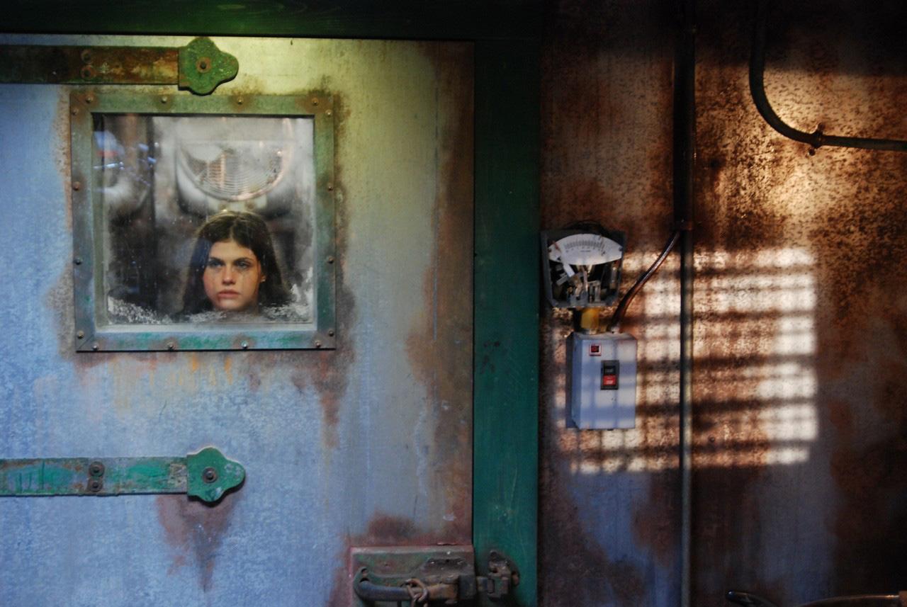 Kočička Cindy Shine bude mít mrdku všude 13:51 · Nečekala že jí ho strčí do.