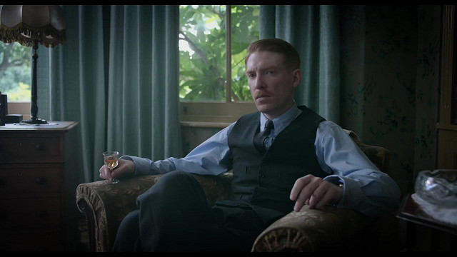 Editorial Reviews Praise for The Little Stranger A classic gothic pageturnerUSA Today Waters a master at stoking anticipation withholds the truth about