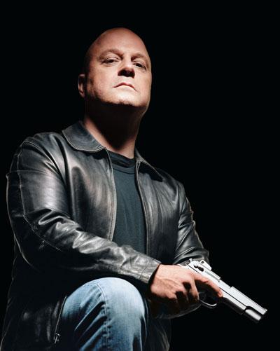 Michael Chiklis ...  Detective Vic Mackey