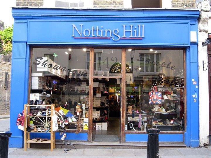 Prodejna hl.hrdiny Williama Thackera na 142 Portobello Road, kde se dnes prodávají boty.