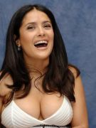 th_11792_salma-hayek-cleavag_122_54lo.jp