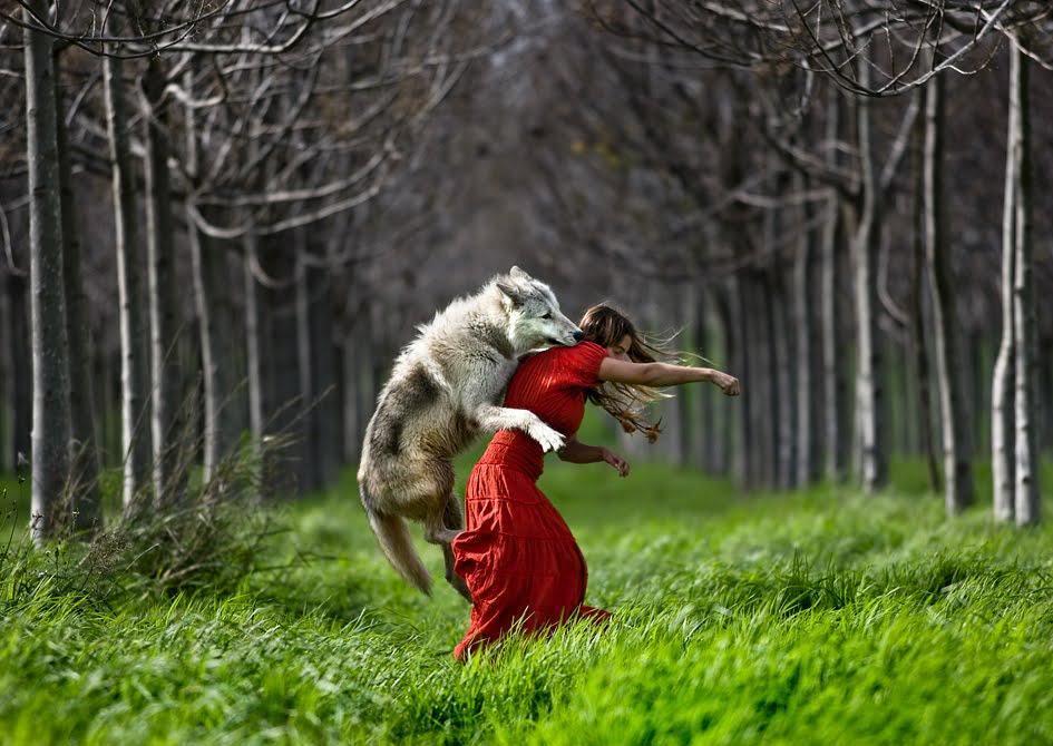 vlk_karkulka_skok za krk