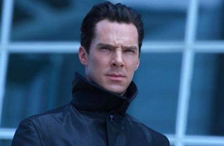 Sherlocka žereme všichni, Kaaaaaahn! jako záporák taky potěší každýho fandu Treků, Šmakův hlas v Atmosu byl nezapomenutelnej, ale největší star Benedict byl stejně ve chvíli, kdy v Sezamové ulici počítal s maňásky jablíčka.
