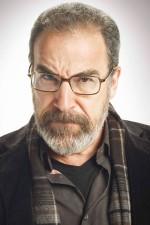 Saul Berenson (Homeland) - Nejcharismatičtější seriálový šéf všech dob.