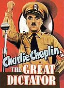 Chaplin dokázal úžasně využít své nápadné podoby s Hitlerem (Hynkelem :D). Jeho projev na konci filmu, naprostý opak Hitlerových slov, je jeden z nejlepších, co jsem kdy slyšela.