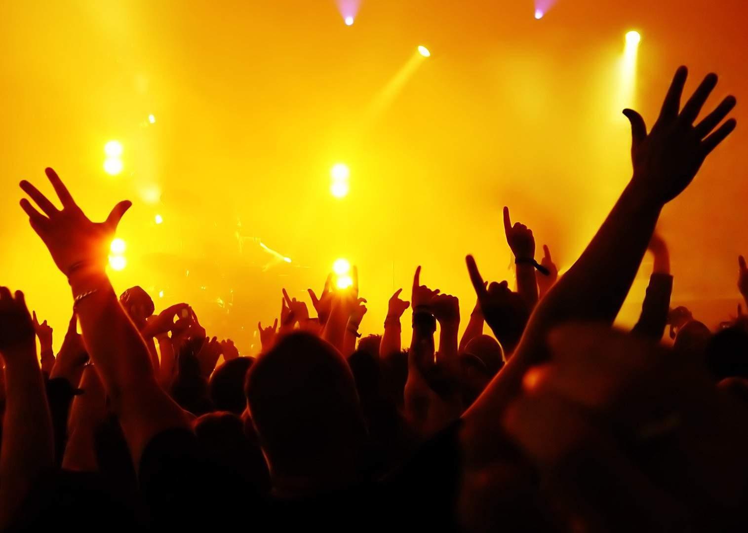 muzika je ten nejlepší způsob jak v sobě dobít baterie ..