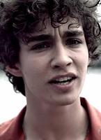 Nathan Young - Robert Sheehan