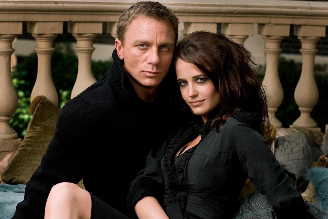 Vesper Lynd and James Bond
