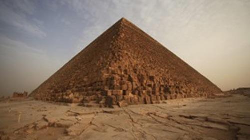 Vzestup a pád pyramid