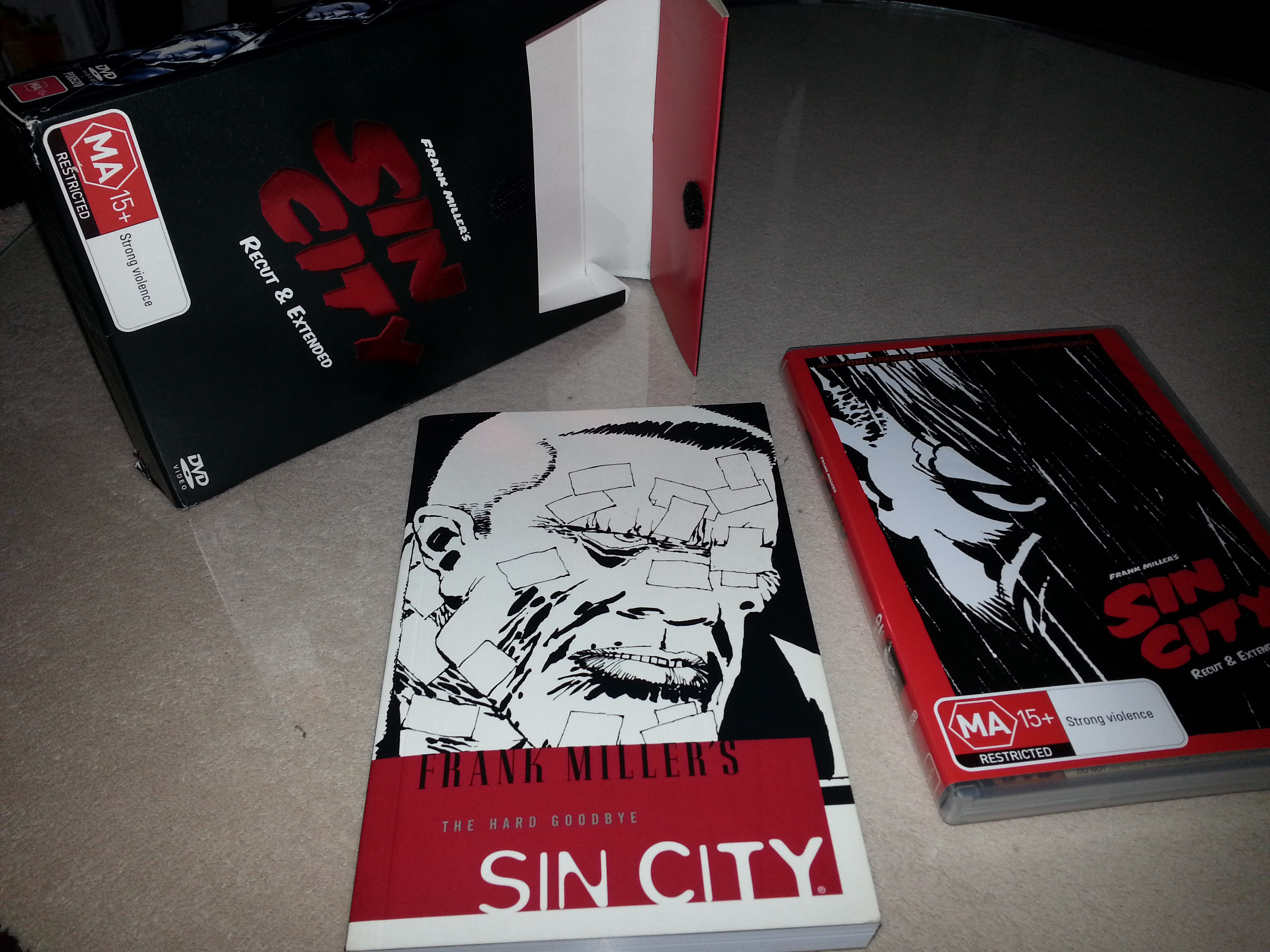 SIN CITY : RECUT & EXTENDED - THE ULTIMATE SIN LIMITED EDITION BOX SET C/WGRAPHIC NOVEL