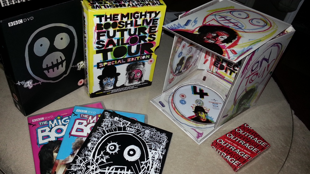 The Mighty Boosh : Complete BBC Series 1 & 2. The Mighty Boosh Live - Future Sailors Tour Special Edition.