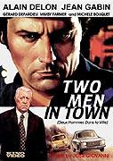 Dvaja muži v meste