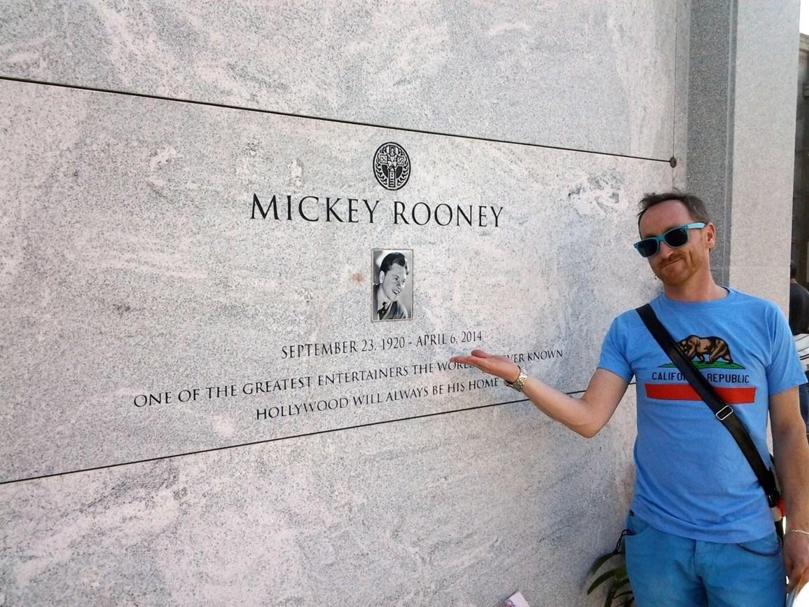 USA 12 Mickey