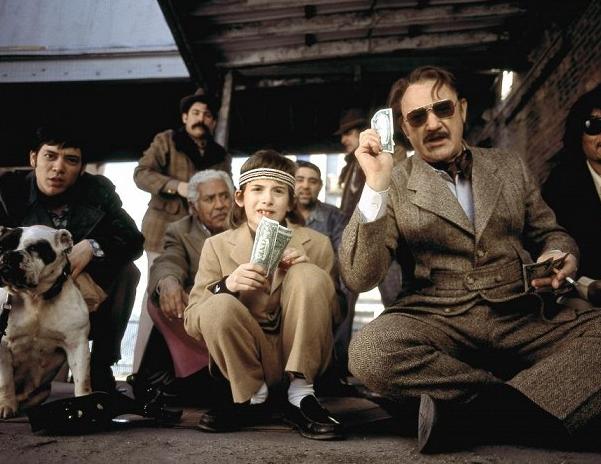 Taková zvláštní rodinka (2001) 1