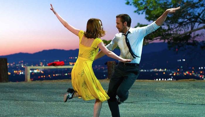 La La Land (2016) - Nejčistší z nejčistších muzikálů, brilantní a herecky bezchybná oslava žánru.