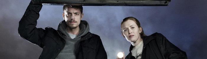 The Killing (2011) - Vyšperkovaná kriminálka, která má vše - propletené dílčí příběhy v jeden celek, zajímavé a tajemné charaktery, šokující zvraty, nenucené závěrečné cliffhangery.