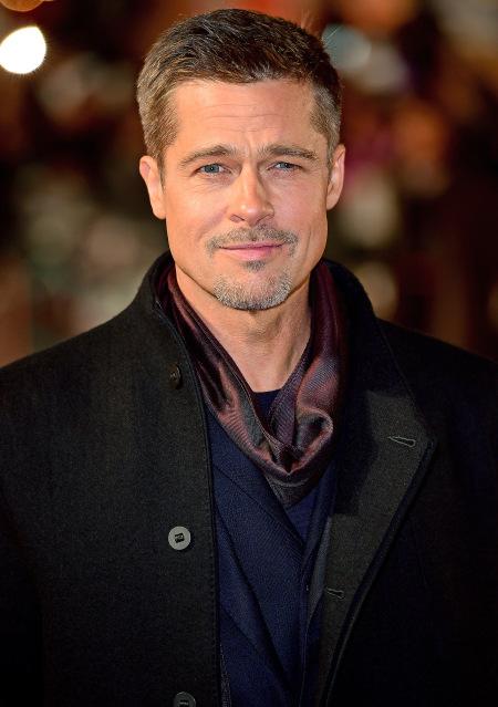 Brada Pitta som objavila ako rádoby herca manžela Angeliny, keď som však spoznala jeho majstrovský potmehúdsky úsmev, hneď sa stal mojim obľúbencom. Brad je skvelý v Nehanebných bastardoch, Neobyčajnom príbehu Benjamina Buttona a Dannyho 11, 12, 13.